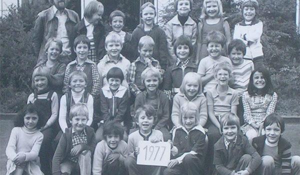 Klassenfoto am ersten Schultag